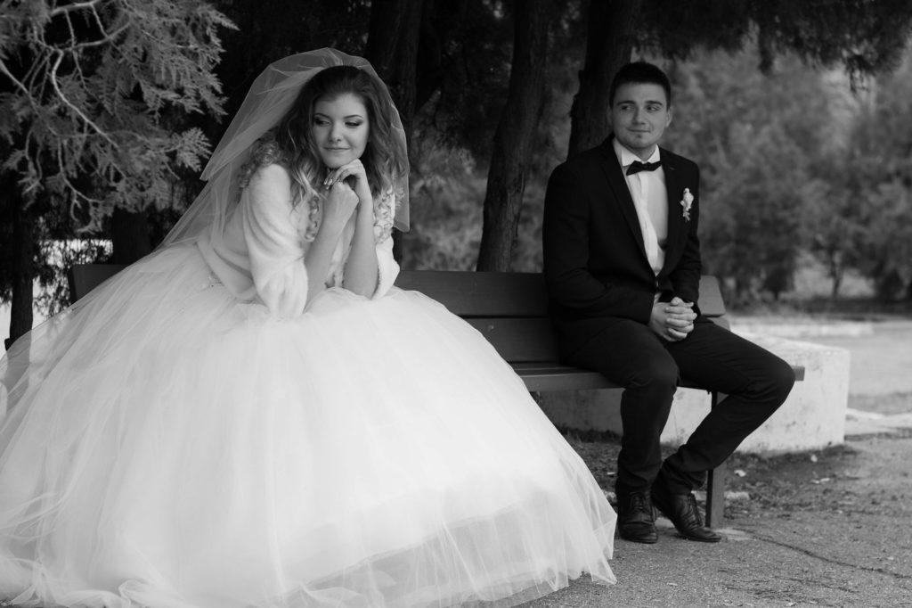 How to look your best in wedding photos